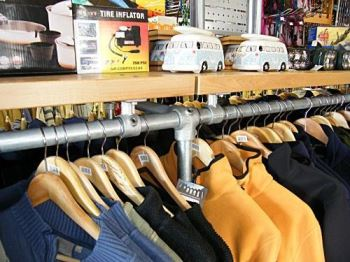 Shop fitting and garment displays