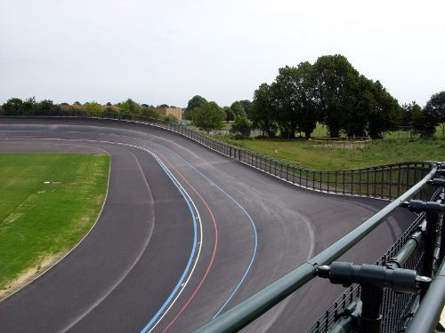 Sports and leisure equipment Velodrome curved barrier